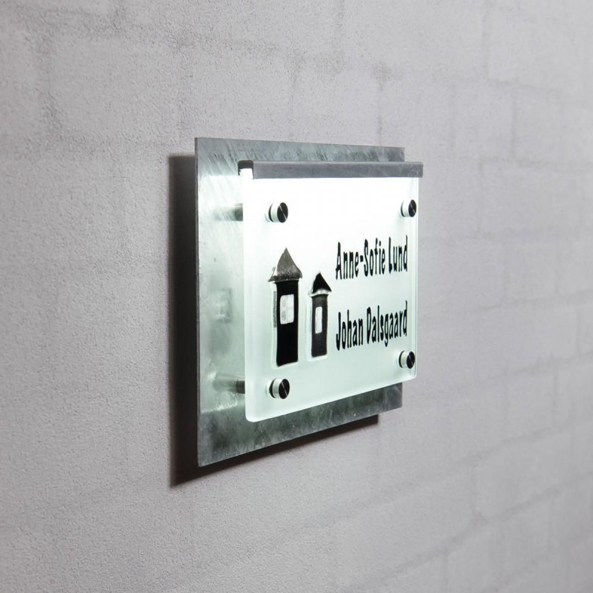 NAVNESKILT 2 HUSE GALVANISERET MATTERET GLAS LED LYS-01
